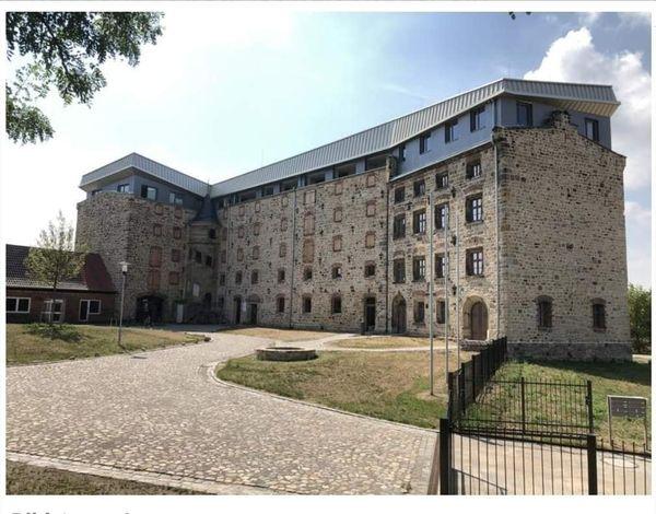 BE ART – TANZ  im  historischen Stadtkern  Oschersleben